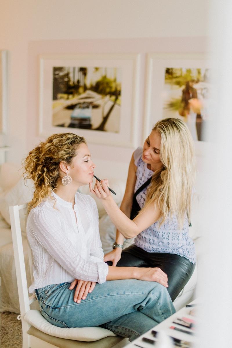 Behind-the-scenes-makeup-stylist(lilla-f.de)-branding-muenchen-portrait_44